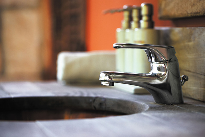 A2B Plumbers are able to fix any leaking taps you may have in West Kensington.
